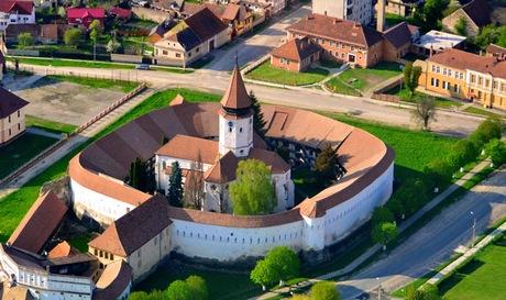 Cetatea-si-Biserica-de-la-Prejmer_MICA