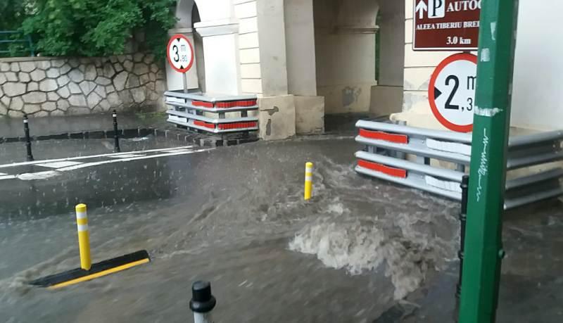 poarta schei inundatie 1