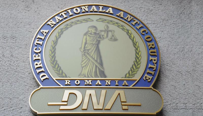 DNA: Directorul adjunct al Administraţiei Naţionale Apele Române, trimis în judecată pentru luare de mită