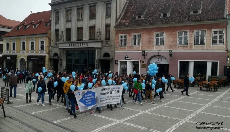 mars albastru (4)