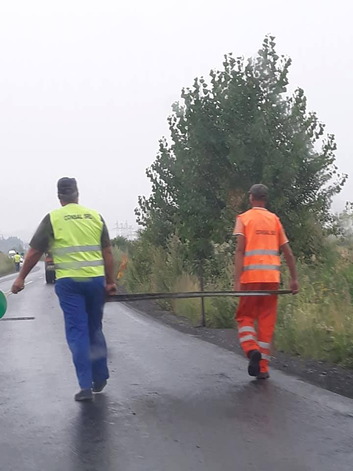 asfalt in ploaie tarlungeni 2