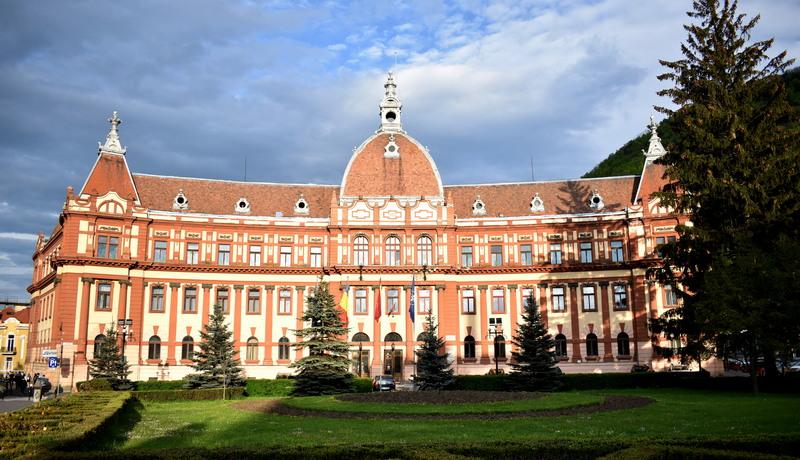 prefectura si consiliul judetean